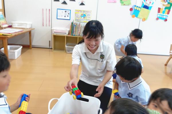 放課後等デイサービスとは|放課後等デイサービスの仕事内容と働くメリット・デメリットを解説 イメージ