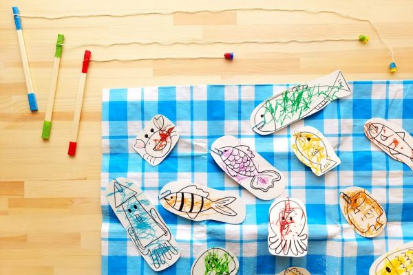保育園 8月 遊び|プールで!室内・園庭で!楽しい水遊び イメージ