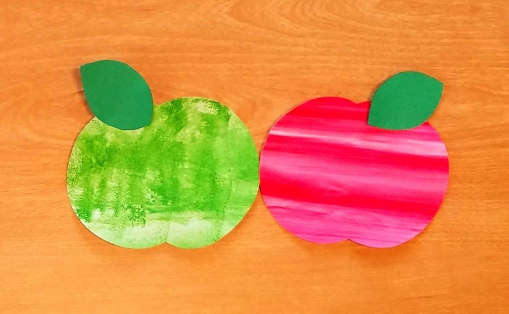 10月壁面 りんご狩り 保育園