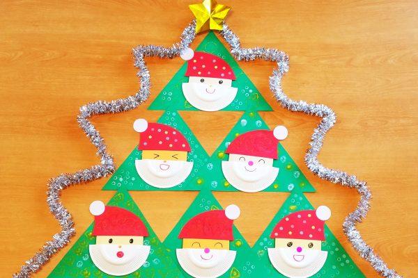 保育園 12月壁面製作 紙皿や折り紙サンタのクリスマスツリー イメージ