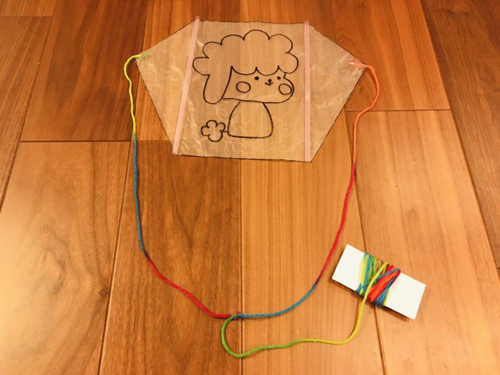 保育園_1月の制作_ビニール凧を作ってお正月遊びを楽しもう