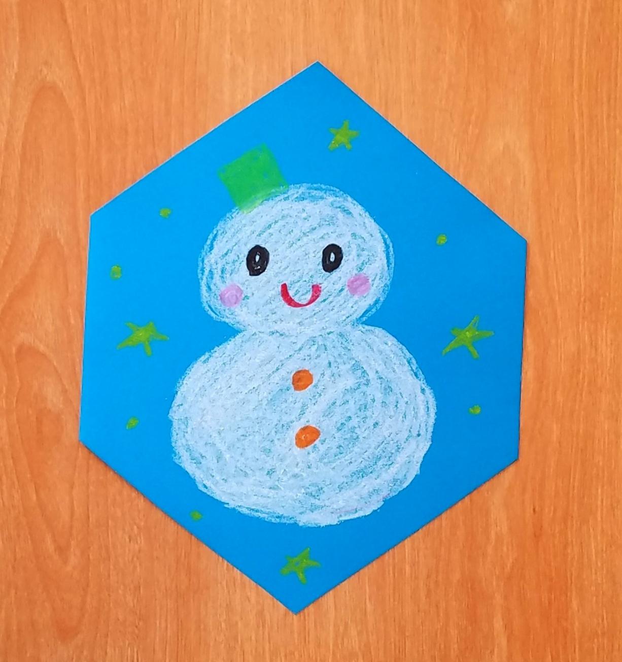 クレヨンで描く雪だるま