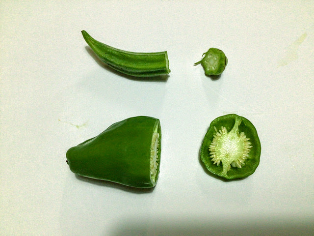 0歳児、1歳児、2歳児の野菜スタンプ製作で使うオクラとピーマン